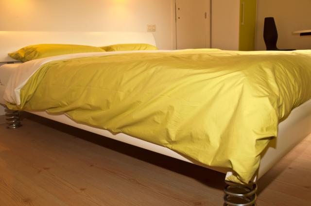 De kamers van bed & breakfast Oud Vucht in Maasmechelen zijn voorzien van bedden van Gezond zitten en slapen. Deze bedden kunnen aan ieders lichaamsbouw aangepast worden.